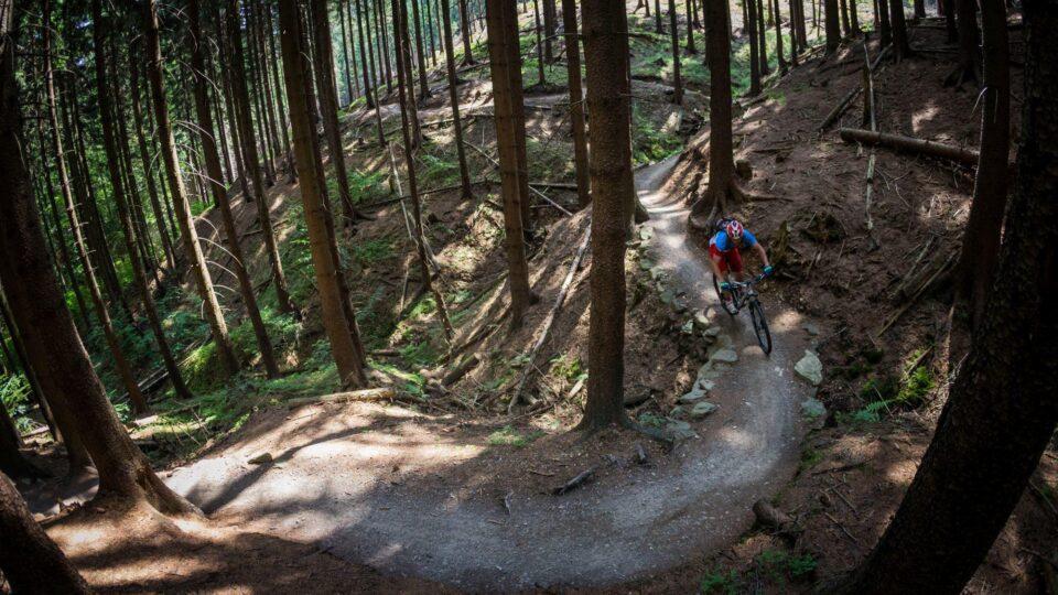 Tag med til Tjekkiet på mountainbike