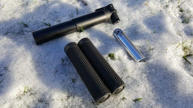 Test: Fabric Millibar MTB pumpe, AM lock-on greb og Chamber multitool