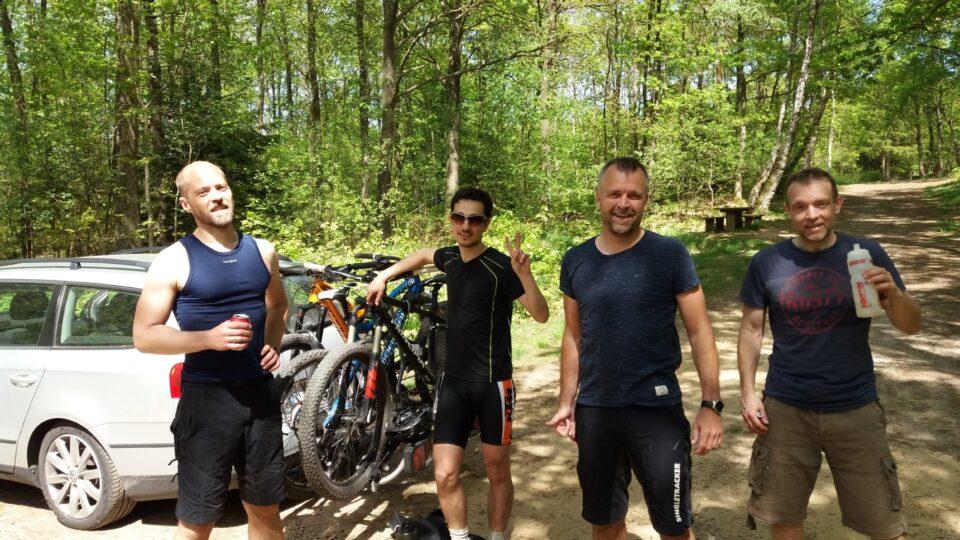 Nykronede konger hylder ny mountainbike udfordring