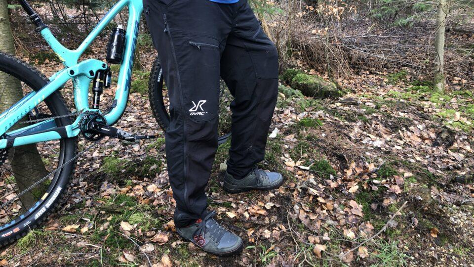 Test: MTB bukser fra RevolutionRace